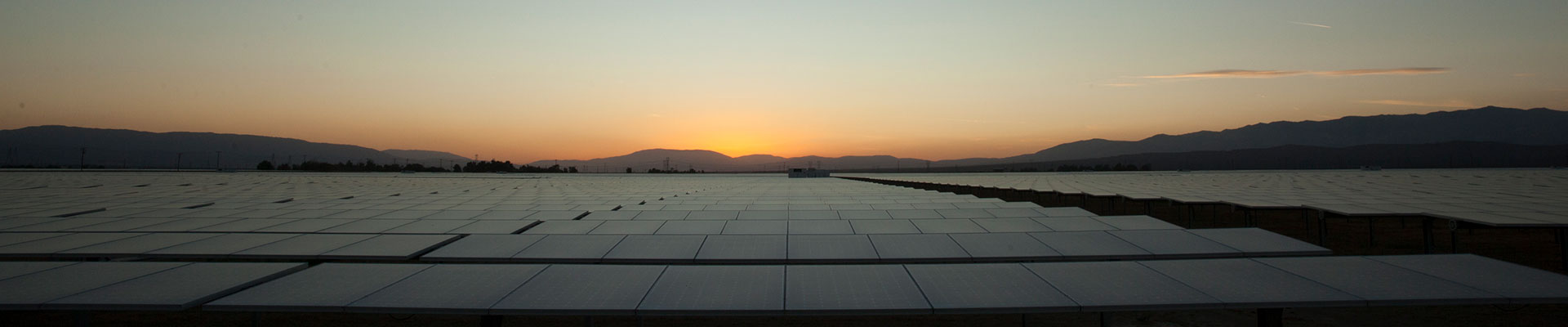 Solar_Energy_Panels_Evening